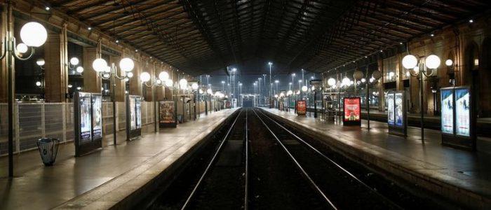 Jutaan Pekerja Mogok Massal, Transportasi Prancis Lumpuh
